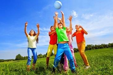 bola-alternada-juegos-para-ninos-al-aire-libre